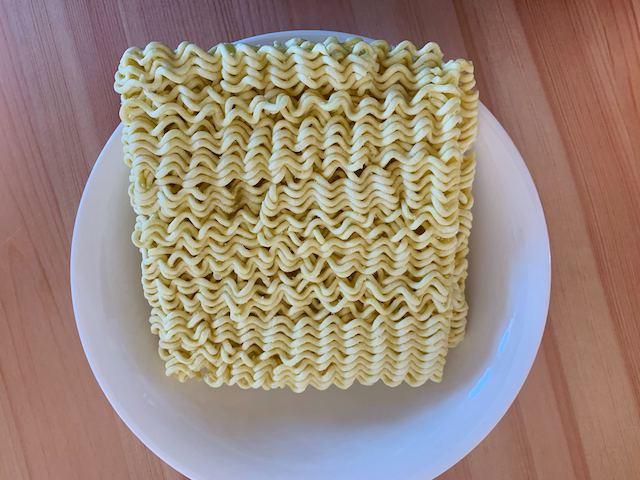 チーズラーメン 麺写真